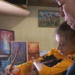 Діагноз – не перешкода для творчості. Черкащанка з ДЦП опанувала інтуїтивний живопис (ФОТО, ВІДЕО)