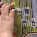 У Сумах встановили таблички для незрячих людей, які вони не можуть прочитати (ФОТО, ВІДЕО)