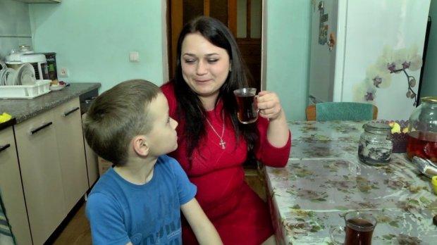 """""""Міс особлива мама"""" : херсонка готується до всеукраїнського конкурсу. міс особлива мама україни, олена гончарова, херсон, суспільство, інвалідність"""