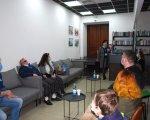 У маріупольській бібліотеці вперше відбувся кінопоказ для людей з вадами зору (ФОТО). мариуполь, бібліотека, вади зору, кінопоказ, тифлокоментування