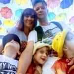 Бачити можливості, не звертаючи увагу на діагноз: історія сім'ї, яка виховує трьох дітей з аутизмом