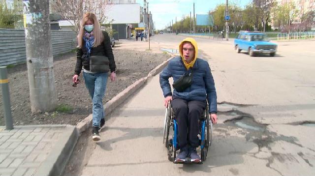 Дніпро — місто без бар'єрів? (ВІДЕО). дніпро, доступність, пандус, перешкода, інвалідний візок