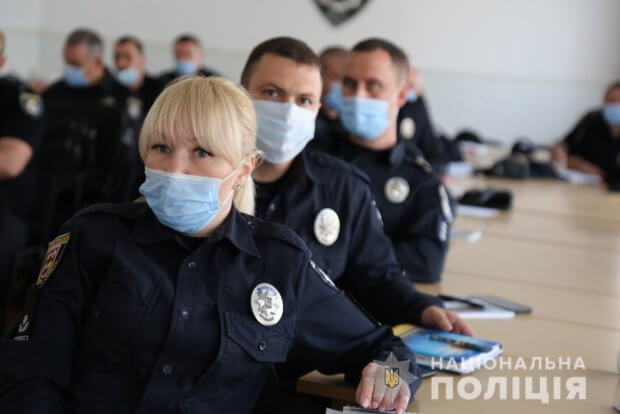 Вінницьких поліцейських навчали правил спілкування із людьми з інвалідністю. вінниця, комунікація, поліцейський, тренинг, інвалідність