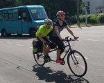 Учасники Всеукраїнського велопробігу за день подолали майже 90 кілометрів волинських доріг (ФОТО). бачу можу допоможу, волинь, велопробіг, незрячий, інвалідність