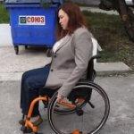 Депутат горсовета Лилия Леонидова провела эксперимент: на инвалидной коляске попыталась доехать до моря