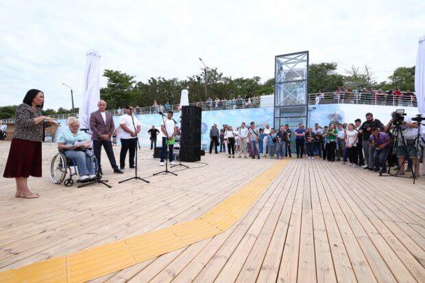 В Одесі відкрили інклюзивний пляж. одеса, лифт, пандус, пляж, інвалідність