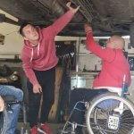 """Майстерня """"Поршень"""": як на Волині перероблюють авто для людей з інвалідністю (ФОТО, ВІДЕО)"""