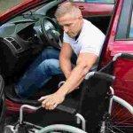Які права на дорозі мають водії та пасажири з інвалідністю