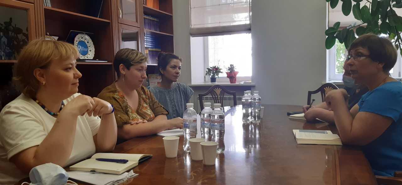 Представник Уповноваженого з дотримання прав дитини та сім'ї Аксана Філіпішина провела робочу зустріч з представниками Всеукраїнської благодійної організації «Даун Синдром». всеукраїнська благодійна організація даун синдром, уповноважений, моніторинг, робоча зустріч, інвалідність