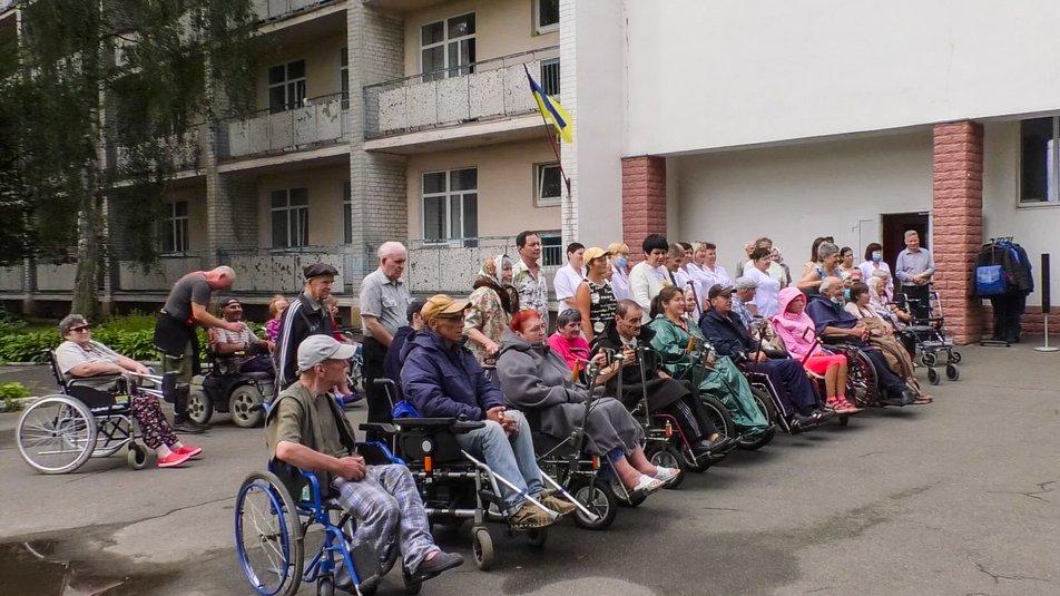 Спеціальний верхній одяг для людей на візках створили у Чернігові. чернігів, візок, колекція, модель, одяг