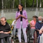 Спеціальний верхній одяг для людей на візках створили у Чернігові (ФОТО, ВІДЕО)