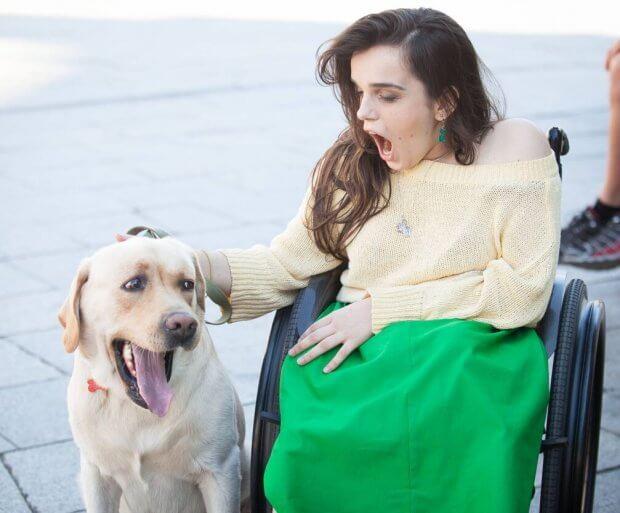 Как первая в мире подиумная модель в инвалидном кресле из Днепра покоряет Лондон. александра кутас, инвалидное кресло, инвалидность, подиумная модель, фотомодель