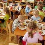Прокуратура захистила право дитини з інвалідністю на безкоштовне харчування