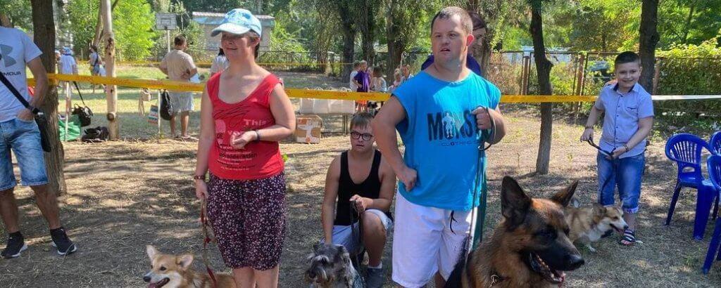 У Херсоні до реабілітації дітей з інвалідністю залучають собак (ФОТО, ВІДЕО). херсон, заняття, канистерапия, собака, інвалідність