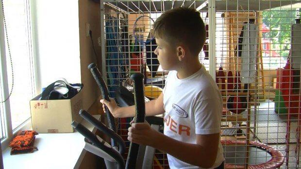 """Батьки у Луцьку скаржаться на режим роботи реабілітаційного центру """"Пролісок"""". Що там не так. луцьк, збори, послуга, центр реабілітації пролісок, інвалідність"""