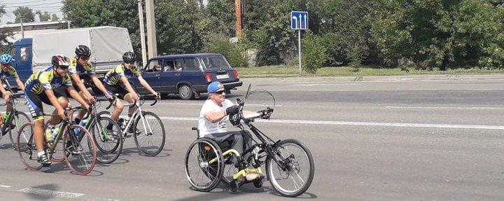 Від Карпат до Маріуполя: пробіг ветерана АТО на хендбайку завершився (ВІДЕО). сергій салій, ветеран ато, пробіг, хендбайк, інвалідність