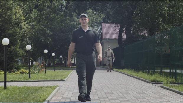 Перший прикордонник з інвалідністю підписав контракт на військову службу. держприкордонслужба, юрій гладченко, військова служба, контракт, інвалідність