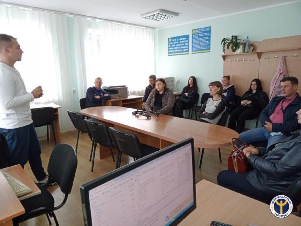 ТзОВ «Електроконтакт Україна» має роботу для зборівчан, у тому числі й для осіб з інвалідністю. тзов електроконтакт україна, безробітний, працевлаштування, центр зайнятості, інвалідність