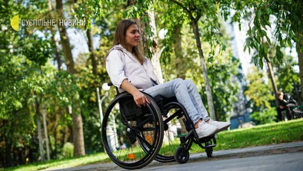 """""""Я зрозуміла, що потрібно постійно рухатися"""". Як дівчина з інвалідністю відстоює свої права. дцп, олександра вовченко, моделінг, суспільство, інвалідність"""