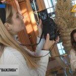 """Надихнути людей з інвалідністю: незвичайну фотосесію провели в """"Межигір'ї"""" (ВІДЕО)"""