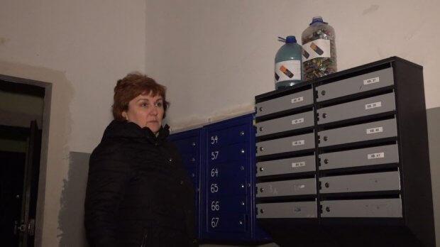 У Черкасах дівчина з інвалідністю навчила мешканців будинку сортувати сміття. анна деркач, черкаси, сміття, сортування, інвалідність