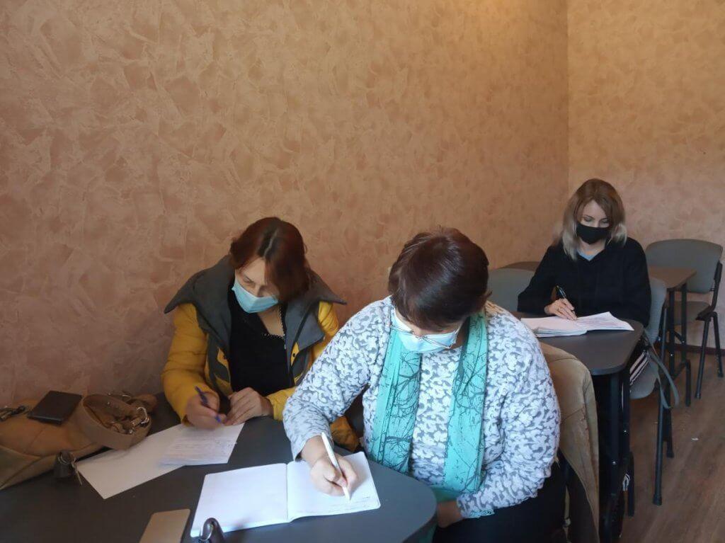 У Святогірську для громадян з інвалідністю проводять навчання (ФОТО). святогірськ, безробітний, курси, служба зайнятості, інвалідність